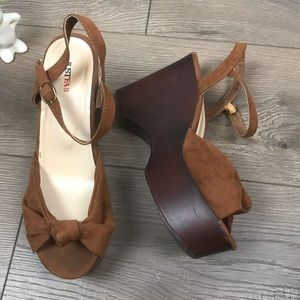 JUSTFAB Platform Ankle Strap Sandals Brown Suede
